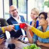 9 de 10 argentinos aseguran que trabajar con amigos incrementa su productividad